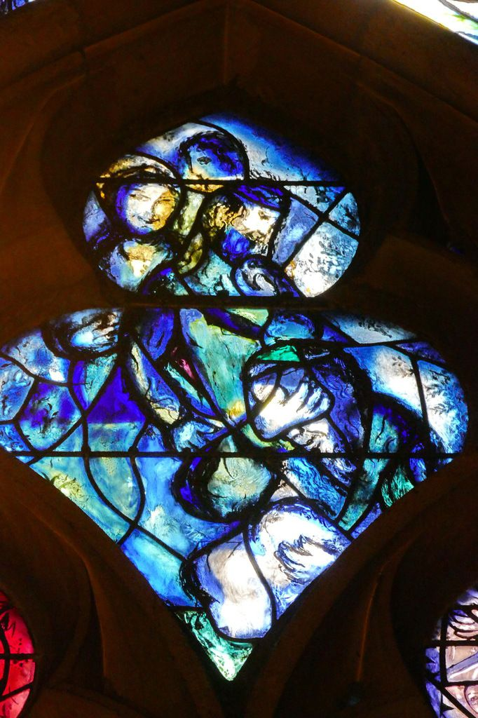 Marc Chagall, Tympan de la baie n°11, déambulatoire nord de la cathédrale de Metz,  photographie lavieb-aile.