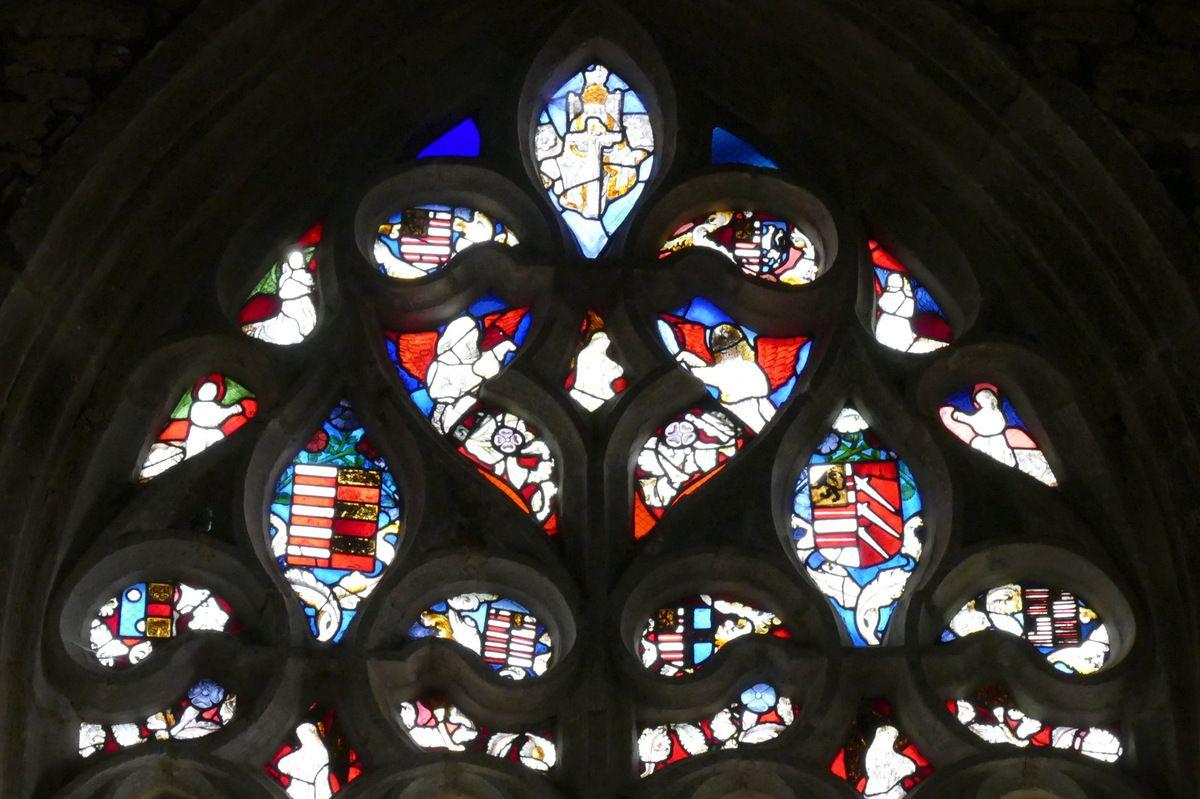 Tympan de la baie axiale, église de Brennilis. Photographie lavieb-aile.
