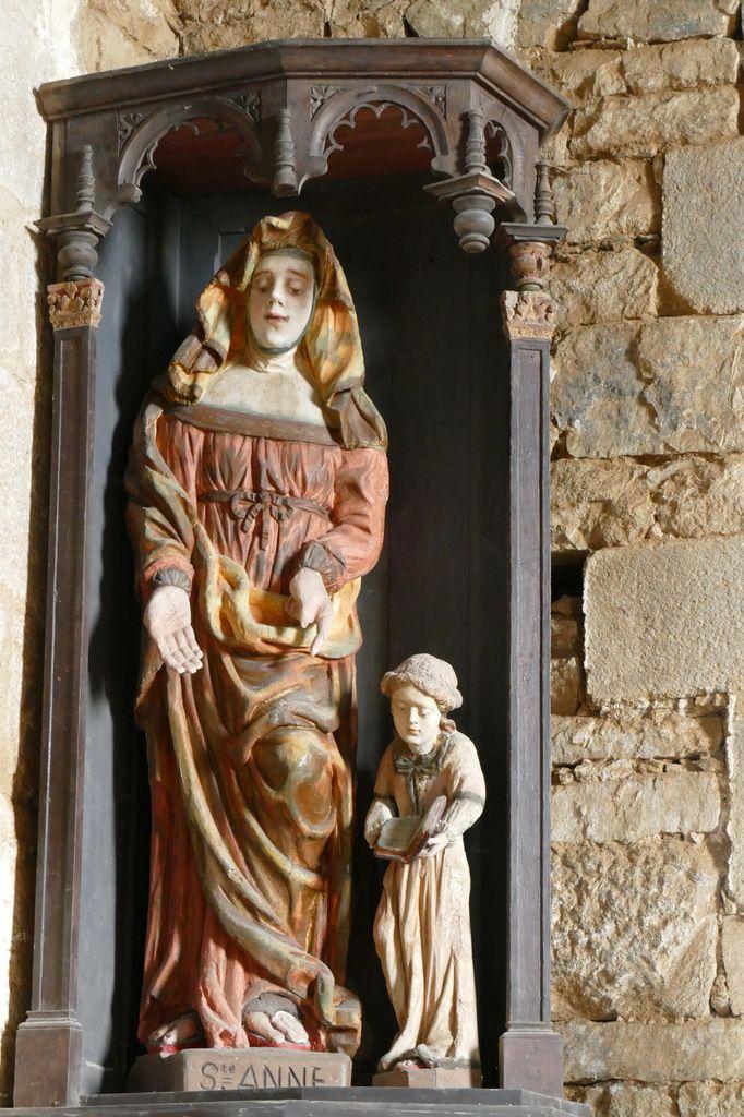 Niche et statues de Sainte Anne éducatrice, église Notre-Dame, Brennilis, photographie lavieb-aile.