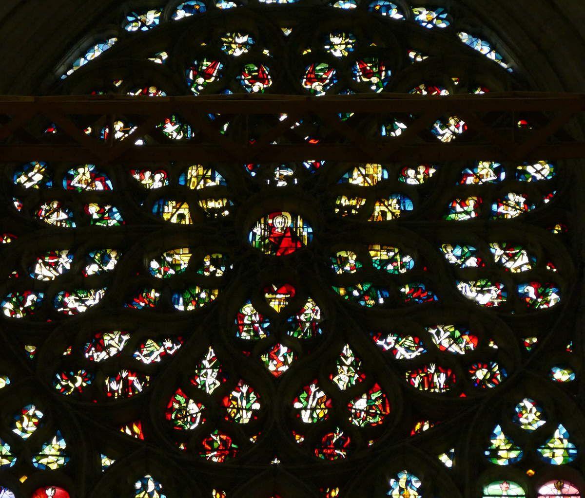 Baie 323 : la rose du Jugement Dernier (Max Ingrand). Cathédrale Saint-Pierre de Beauvais, photographie lavieb-aile.