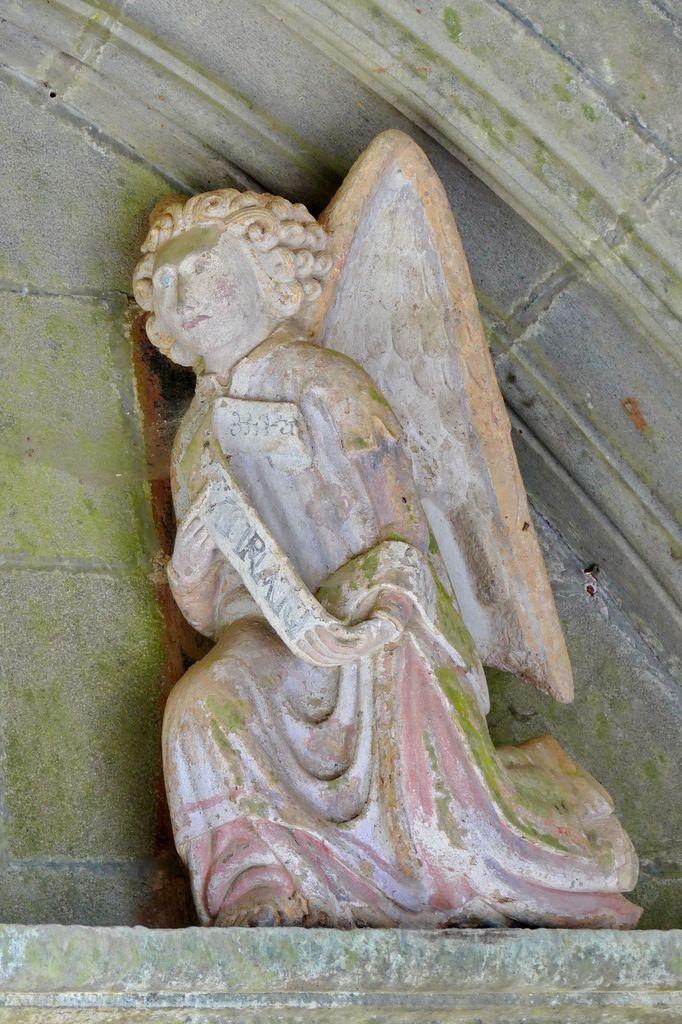 Annonciation, porche sud de l'église de Rumengol. Photographie lavieb-aile.