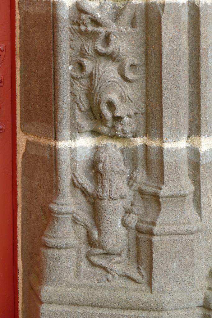 Diaporama. Petite porte sud,  église Saint-Suliau, enclos paroissial de Sizun, photographie lavieb-aile.
