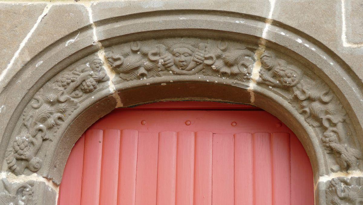 Petite porte sud,  église Saint-Suliau, enclos paroissial de Sizun, photographie lavieb-aile.