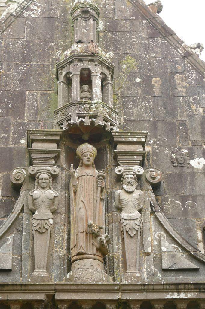 Ossuaire de 1619, église Saint-Salomon de La Martyre. Photographie lavieb-aile.