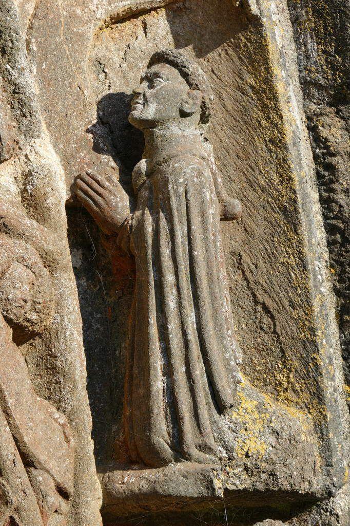 Guyomarc'h de Maufuric, voussure du porche sud  de l'église Saint-Salomon, La Martyre. Photographie lavieb-aile.
