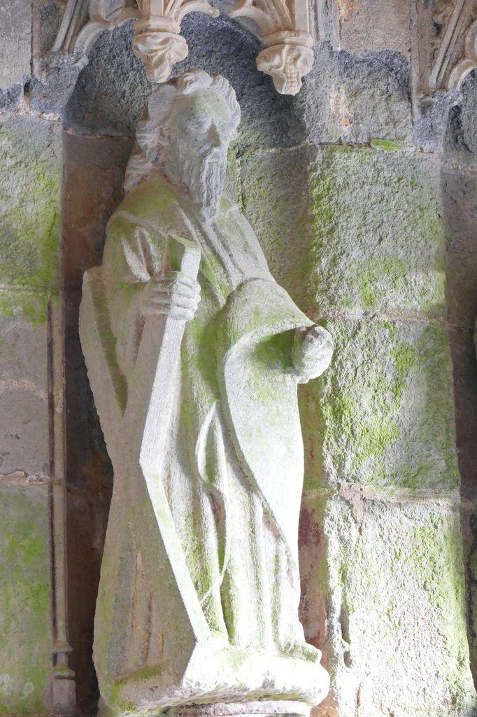 Apôtre André, coté droit du porche sud, église Saint-Salomon, La Martyre. Photographie lavieb-aile.