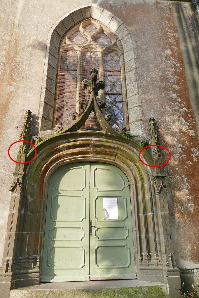 Porte sud de l'église Saint-Houardon de Landerneau. Photographie lavieb-aile.