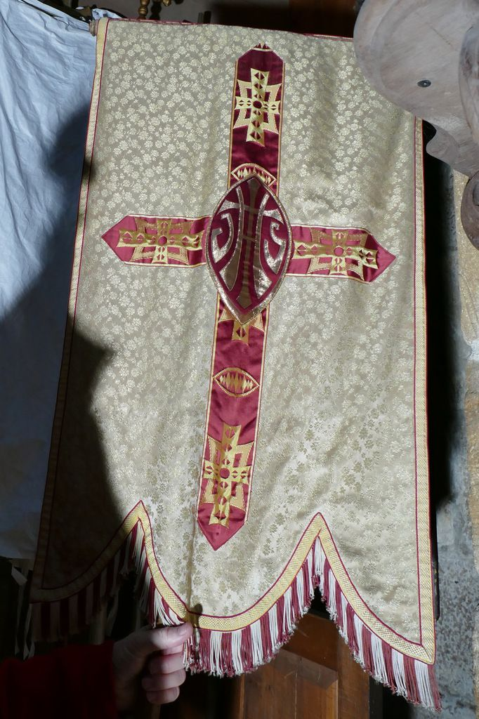 L'enclos paroissial de Dirinon IV : les bannières anciennes (XVIIIe siècle).