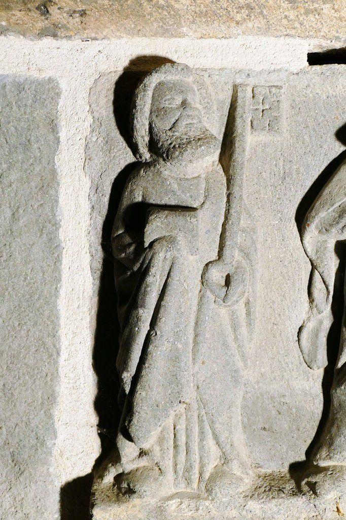 Cuve du tombeau de sainte Nonne (1450), kersanton, atelier du Maître du Folgoët. Chapelle Sainte-Nonne, Dirinon. Photographie lavieb-aile 2017.