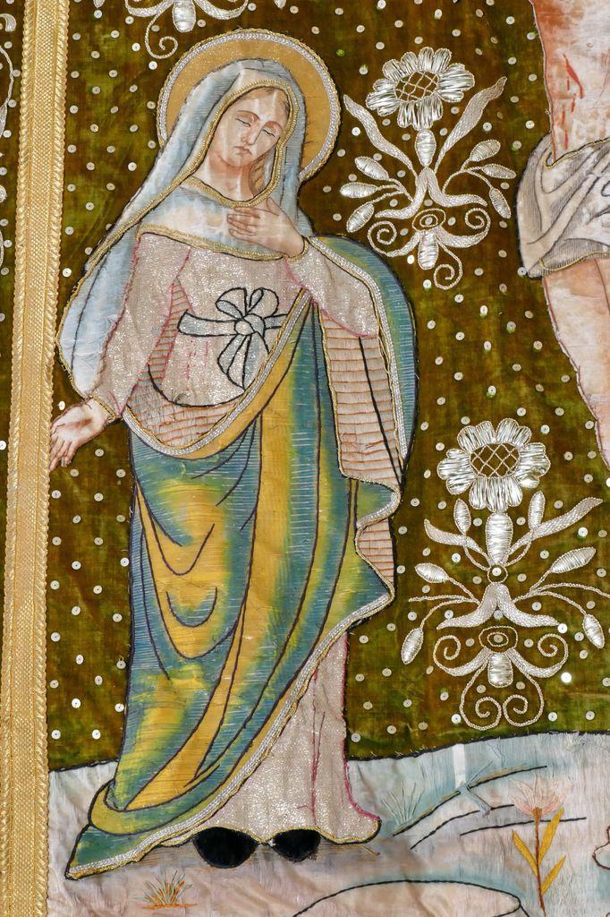 La Vierge, bannière de la Crucifixion (1925), église Sainte Marie-Madeleine de Dinéault. Photographie lavieb-aile février 2017.