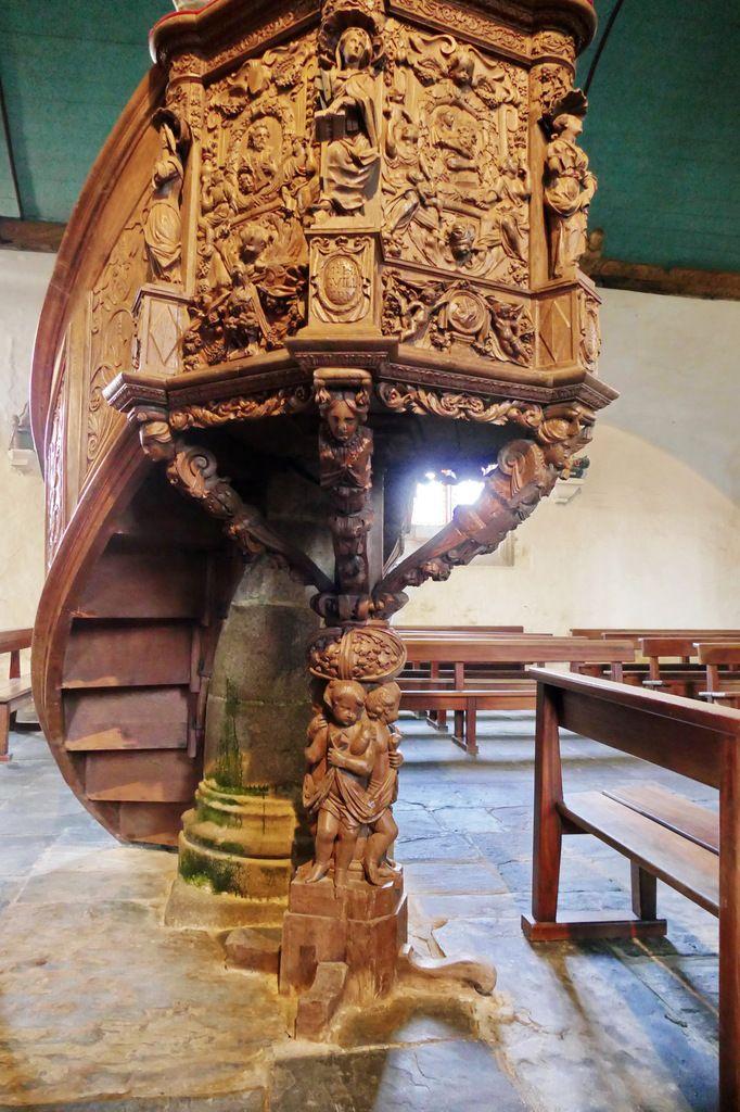 Chaire à prêcher de Guimiliau (1667), église de Guimiliau. Photographie lavieb-aile 2016.