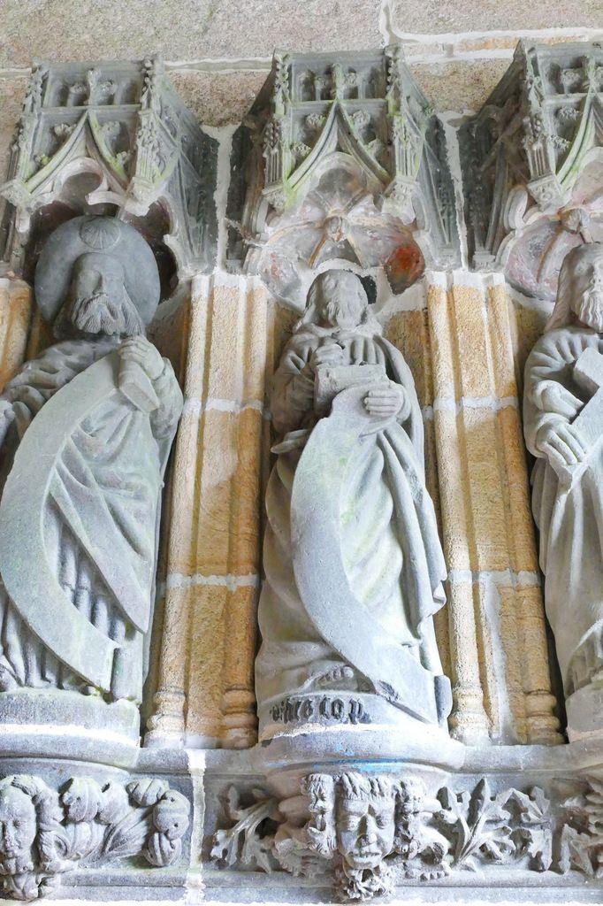 Saint Matthieu, porche ( Bastien et Henry Prigent, 1563) de l'église de Guipavas. Photographie lavieb-aile février 2017.