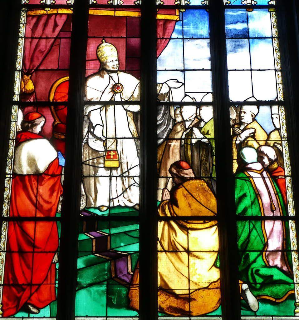 La promulgation du dogme del'Immaculée Conception par Pie IX en 1854. Baie 2, Émile Hirsch 1870. Basilique du Folgoët. Photographie lavieb-aile mai 2017.