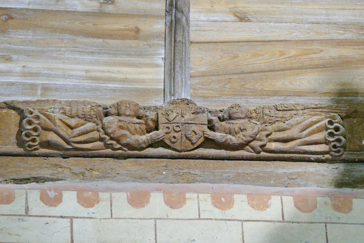 Blason Tréanna/ Kerguern, sablière n°5, 1529, ancienne abbatiale Notre-Dame, Daoulas. Photographie lavieb-aile juin 2017.