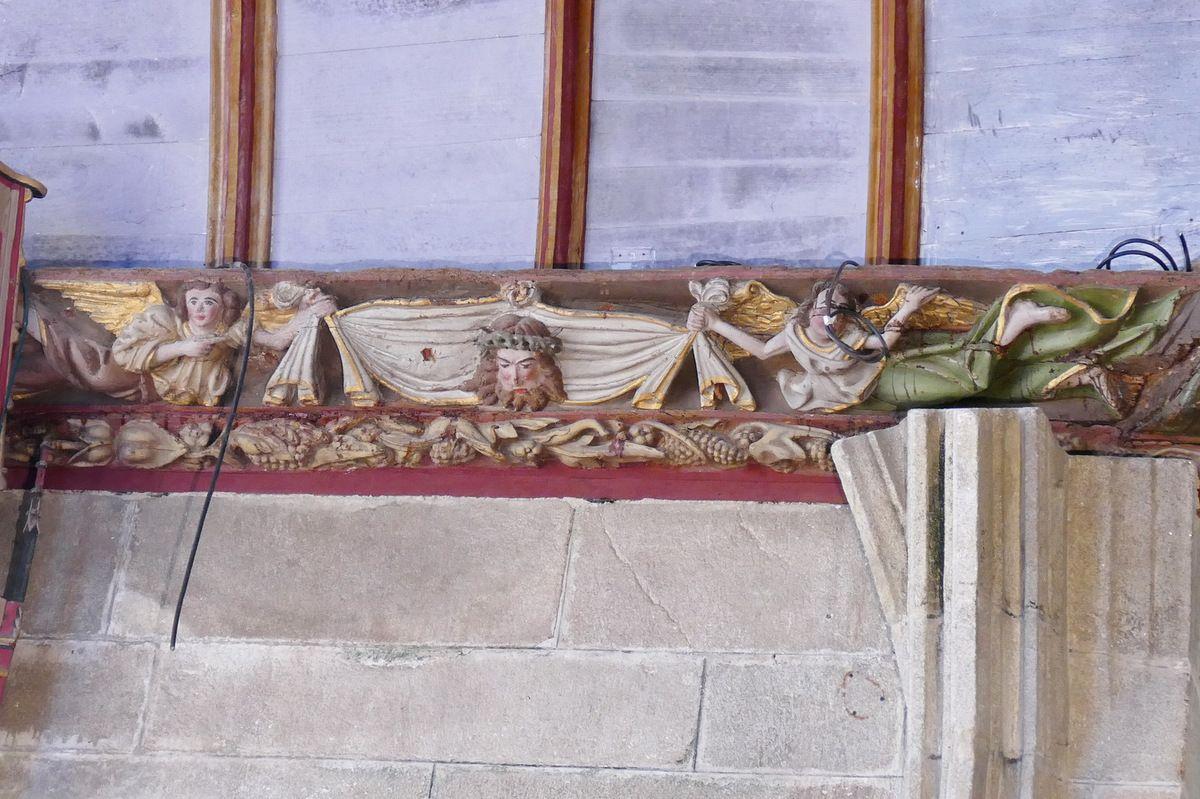 Le Voile de la Sainte Face à l'église de Pleyben. Photographie lavieb-aile juillet 2017.