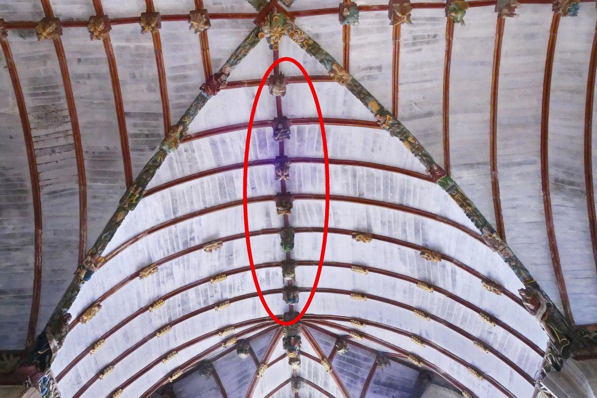 Nervure de la croisée du transept de l'église Saint-Germain de Pleyben, photographie lavieb-aile 2017.