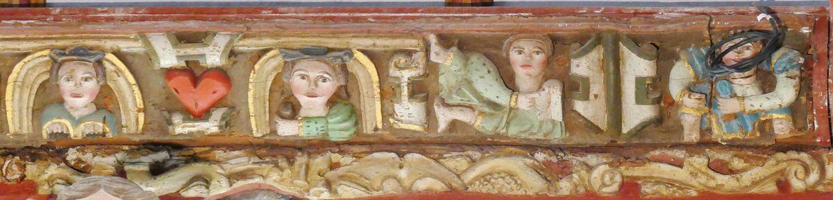 Le  Couple autour d'un cœur, sablière du coté oriental du transept nord, atelier du Maître de Pleyben (vers 1571), église Saint-Germain de Pleyben. Photographie lavieb-aile juillet 2017.