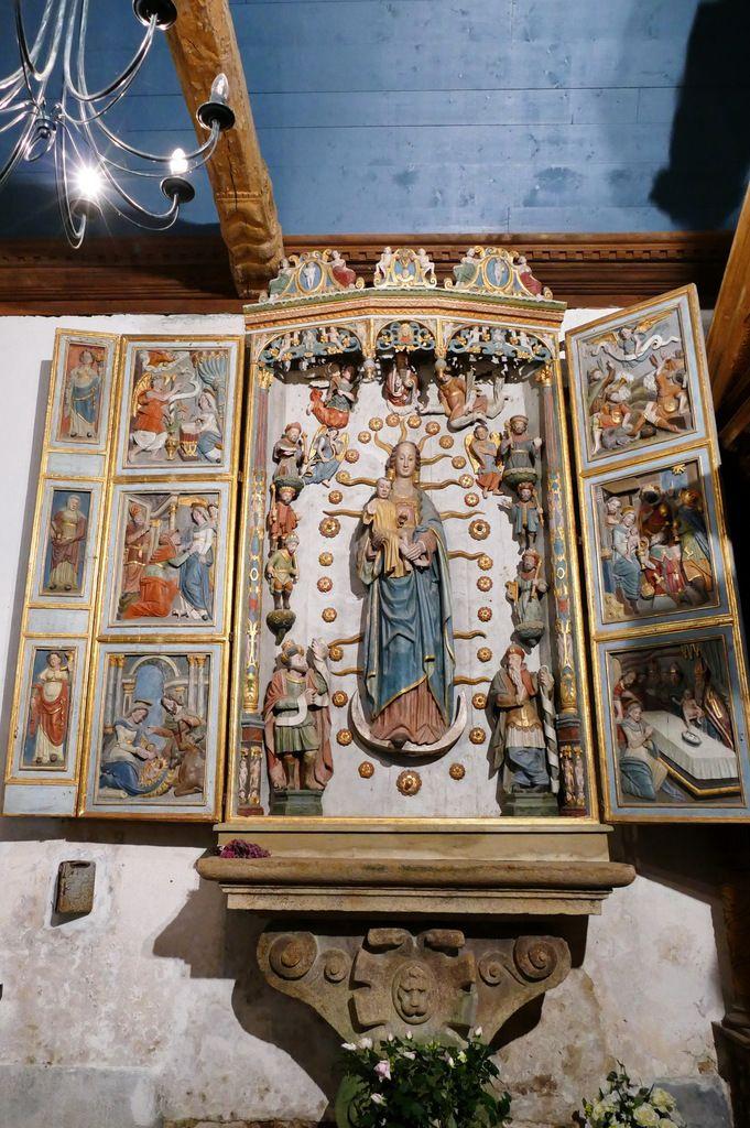 Le retable de l'Arbre de Jessé de la chapelle Notre-Dame-de-Berven. Photographie lavieb-aile juillet 2017.