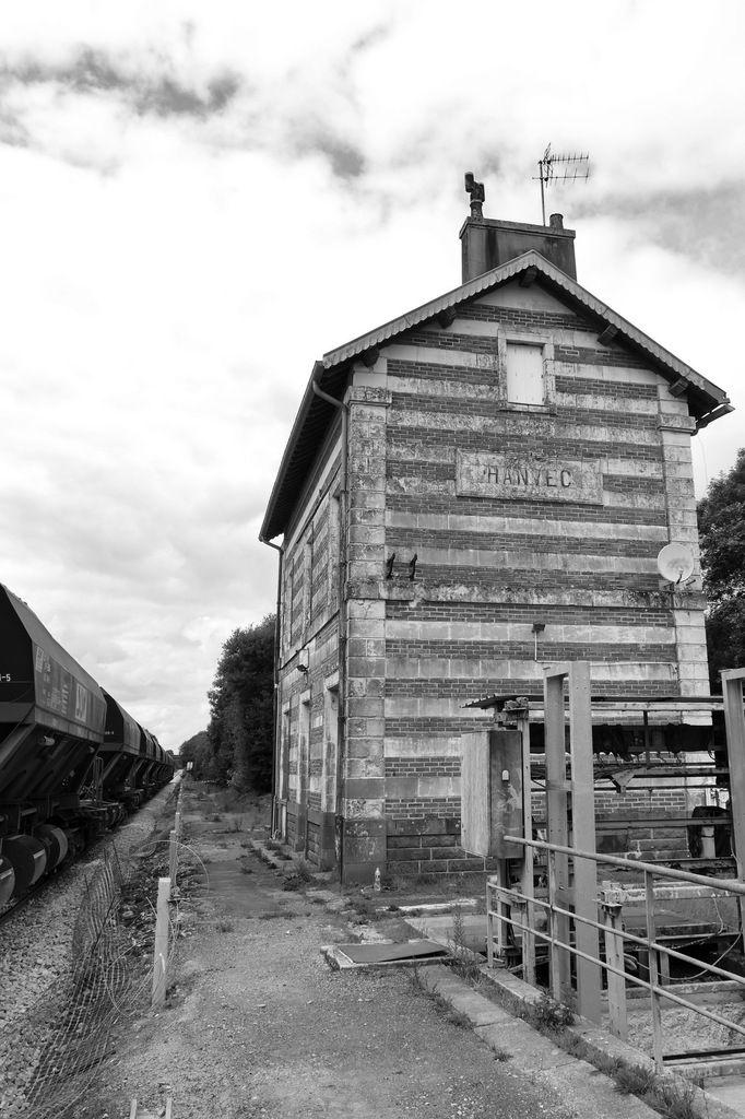 La gare d'Hanvec, photographiée en août 2017 par lavieb-aile.