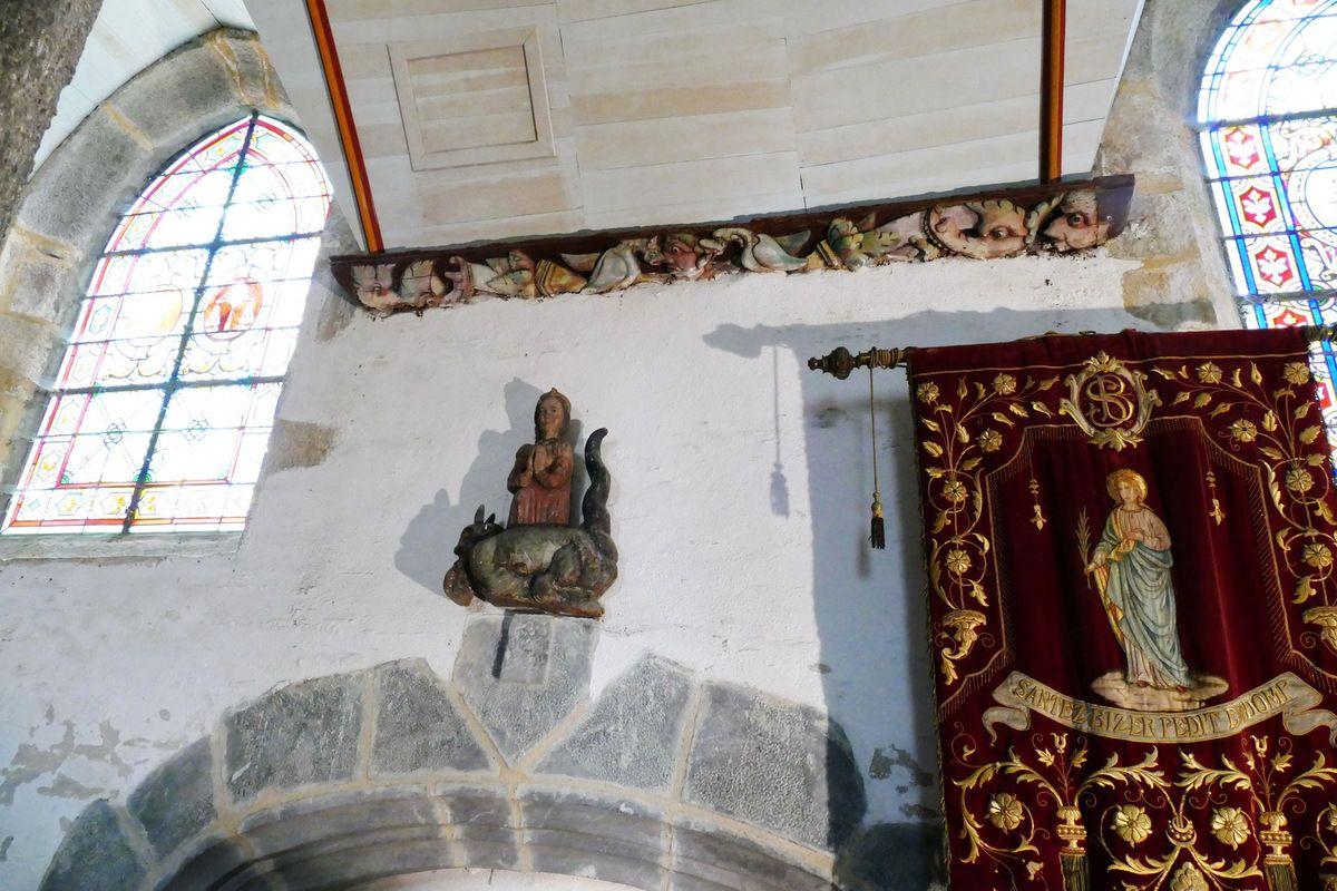 Quatrième sablière du bas-coté nord de l'église Sainte-Pitère, Le Tréhou. Photographie lavieb-aile août 2017.