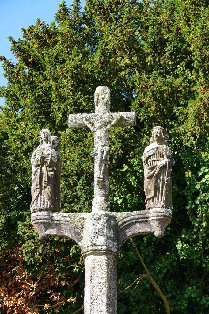 Calvaire  de Ty-Croaz (kersanton, 1565)  à La Martyre (29). Photographie lavieb-aile octobre 2017.