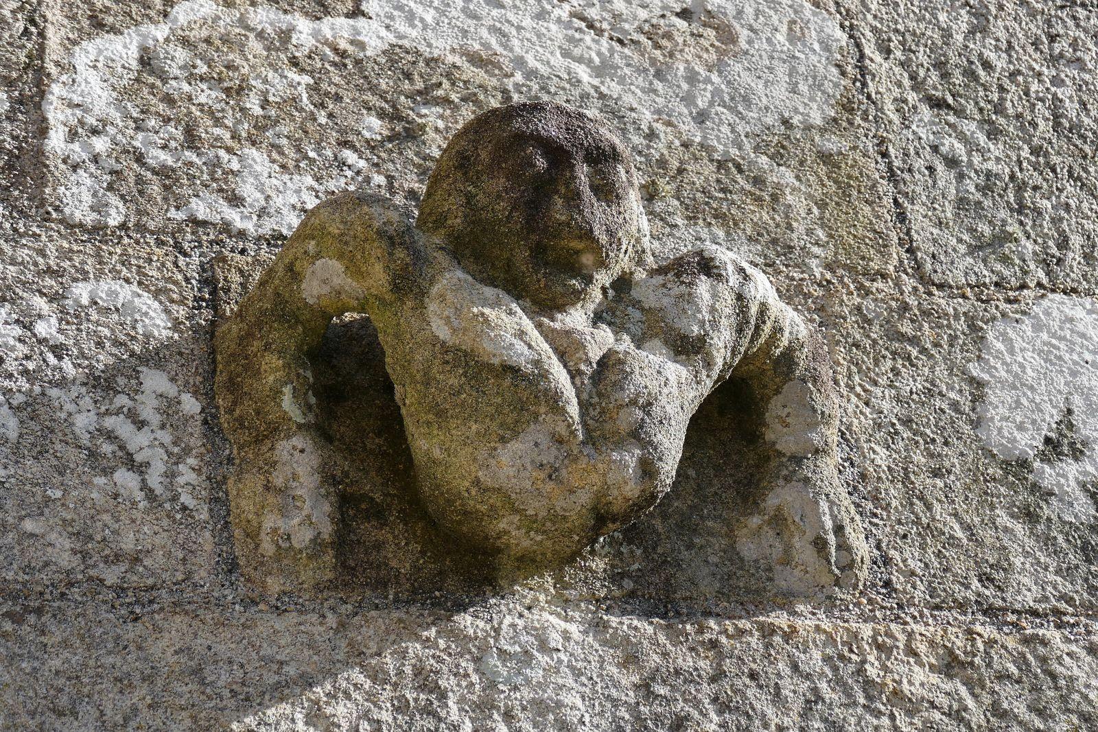 Sacristie de la  chapelle Saint-Tugen en Primelin. Photographie lavieb-aile mars 2020.