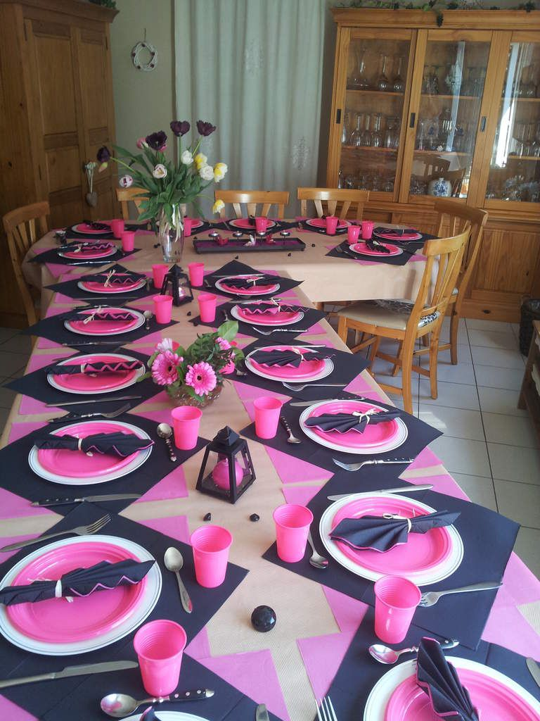 Table anniversaire rose noir ellodis and chris for Decoration or rose