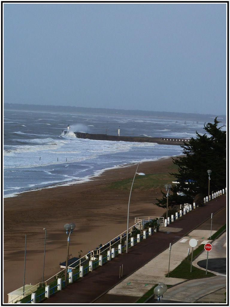 Gros  coup de  vent  sur  la  côte  atlantique  ... beau spectacle !