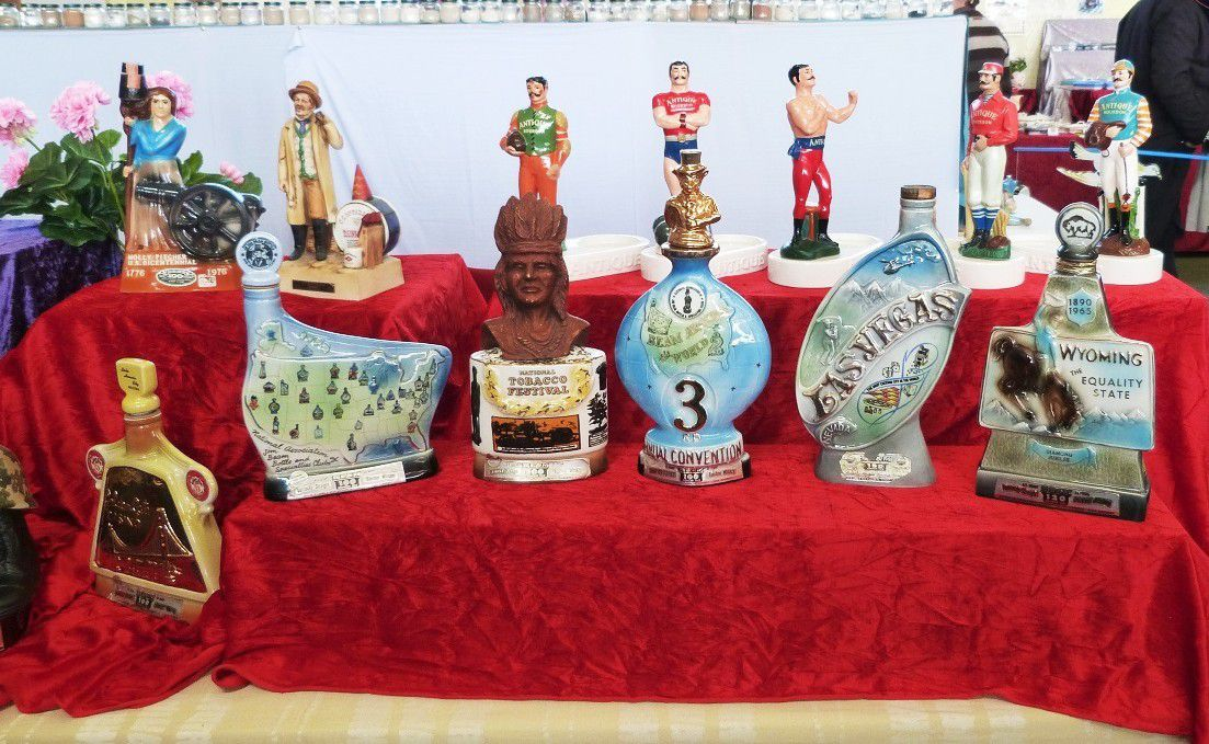 Bouteilles figurines  Whiskey bourbon