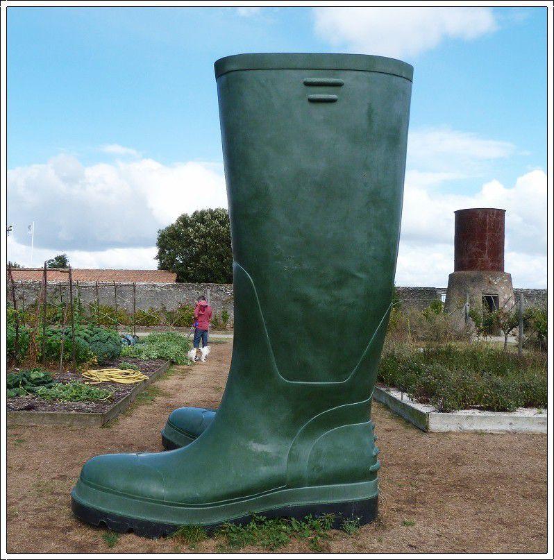 Le  merveilleux  jardin de  l'Auberge  de  la  &quot&#x3B;fontaine  aux  bretons &quot&#x3B;
