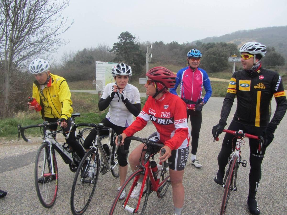 (1-Valérie) (2-Olive, Anne-Marie et moi et au second plan André et Thierry