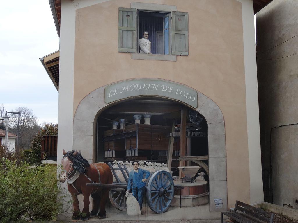 St Etienne de st geoirs ... enfin je crois ... belle impression de relief pour cette fresque !