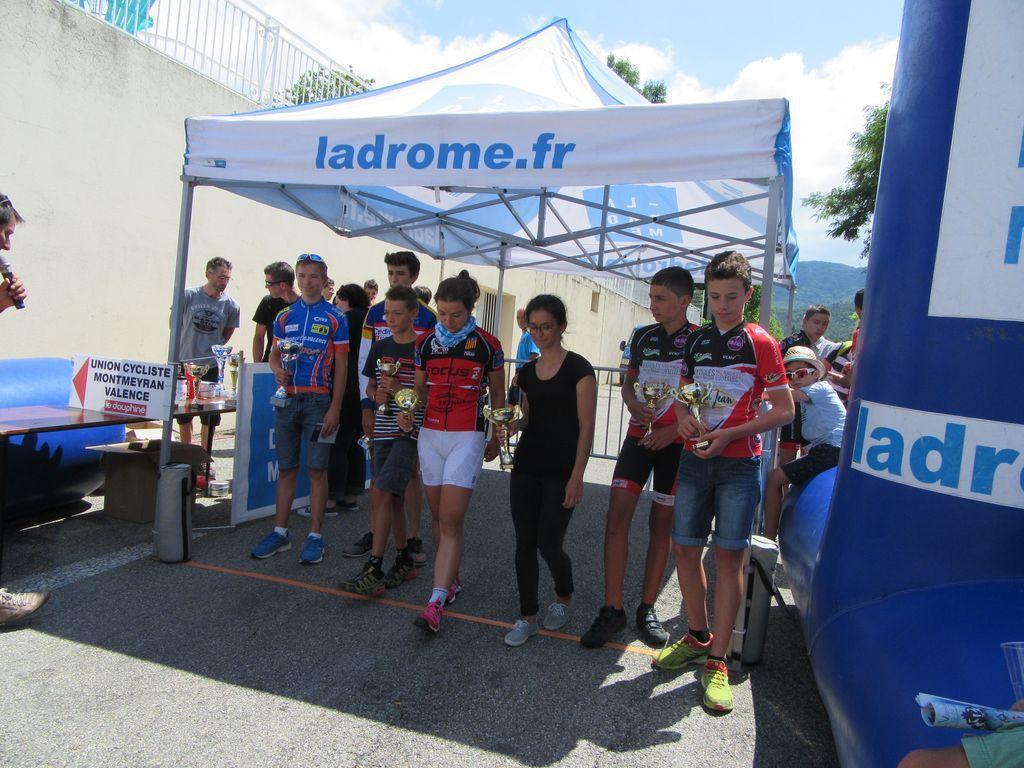Quelques podiums de skieurs et de cyclistes