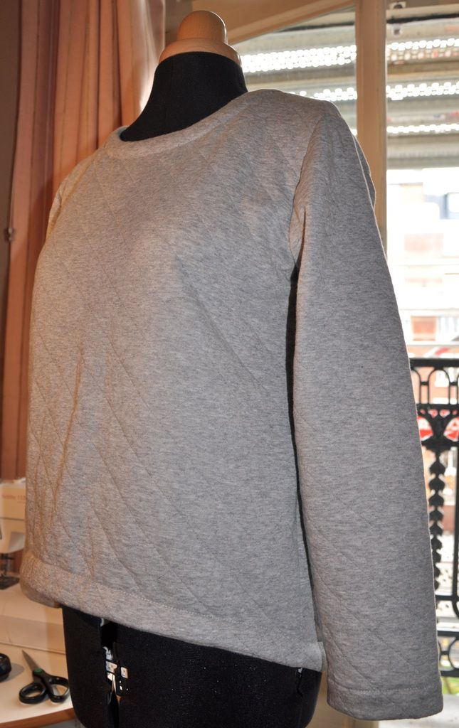 Sweat-shirt asymétrique
