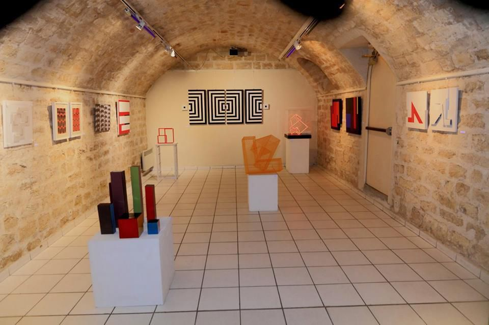 Exposition CARREMENT 3 accrochage