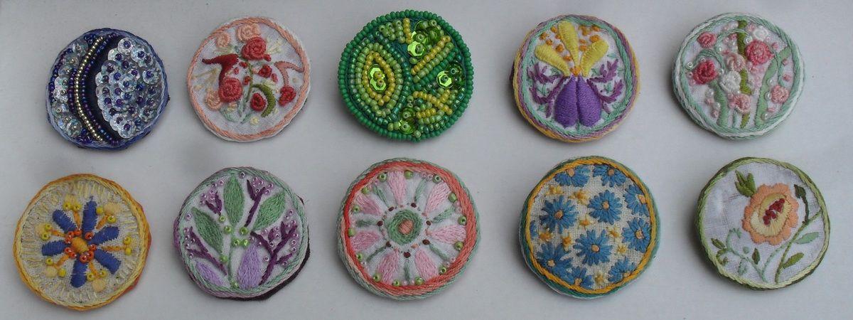 Bijoux fait main en broderie et perles