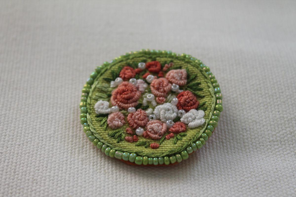 joyeria  bordados de algodon hecho a mano y perlas