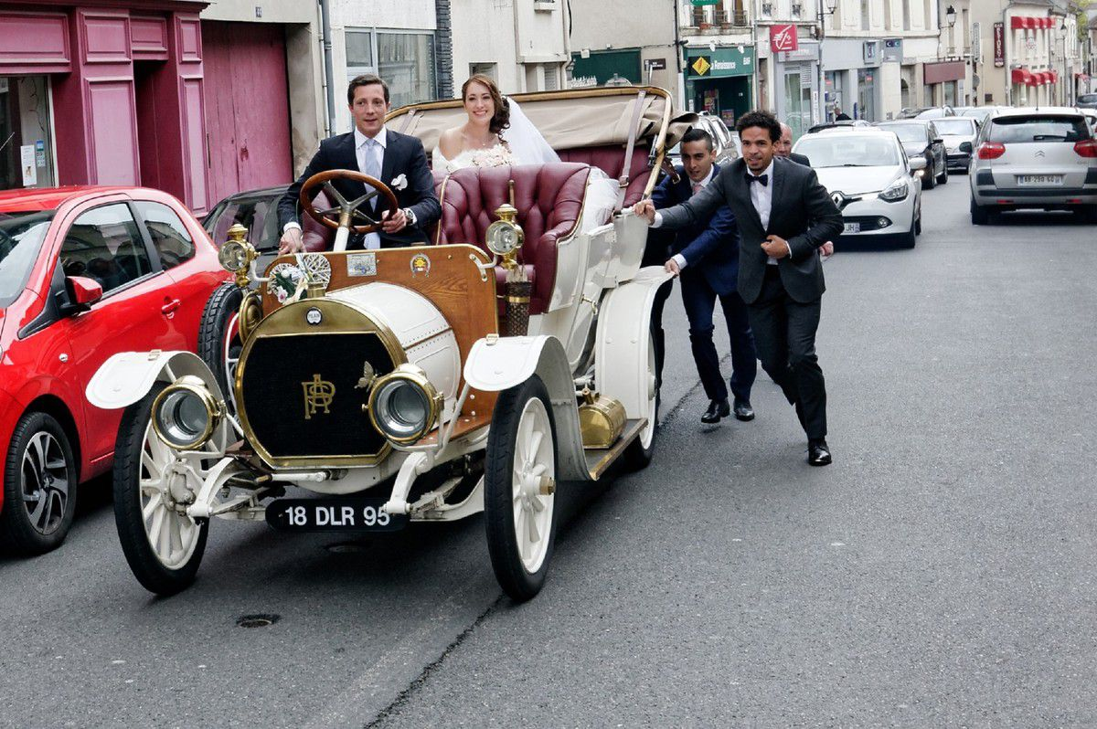 La Pilain de 1908 emmènera-t-elle Camille à temps pour la cérémonie?