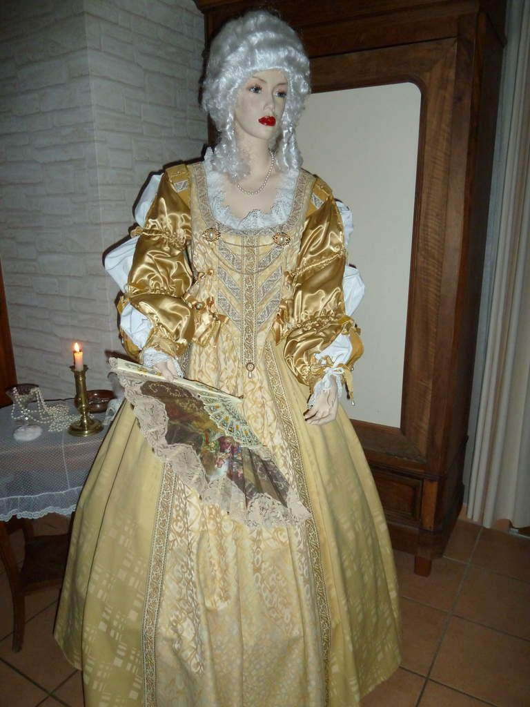 Costumes de Marquises