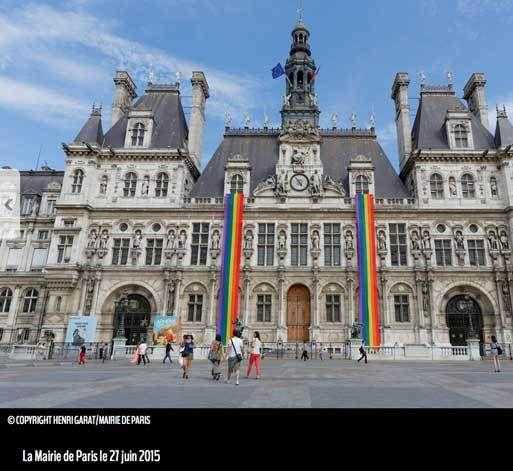 Mairie de Paris pavoisée aux couleurs des PD.