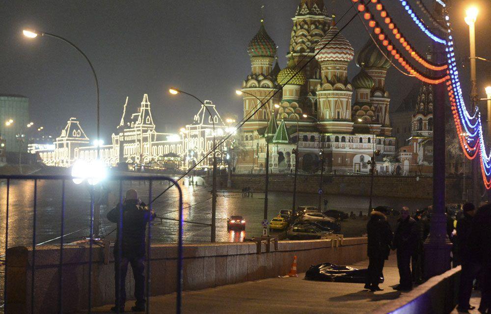 LA COMPAGNE DE BORIS NEMTSOV DIT ETRE « RETENUE » EN RUSSIE !..