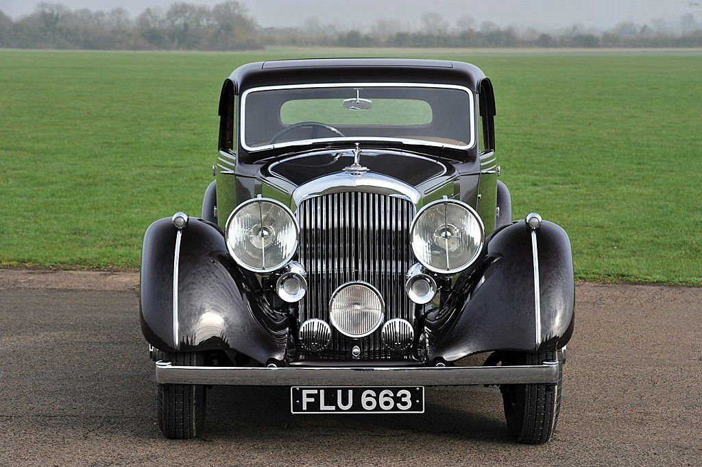 "VOIYURES DE LEGENDE (508) : BENTLEY  4 1/4 LITRE PARK WARD  SPORT COUPE ""HONEYMOON EXPRESS"" - 1938"