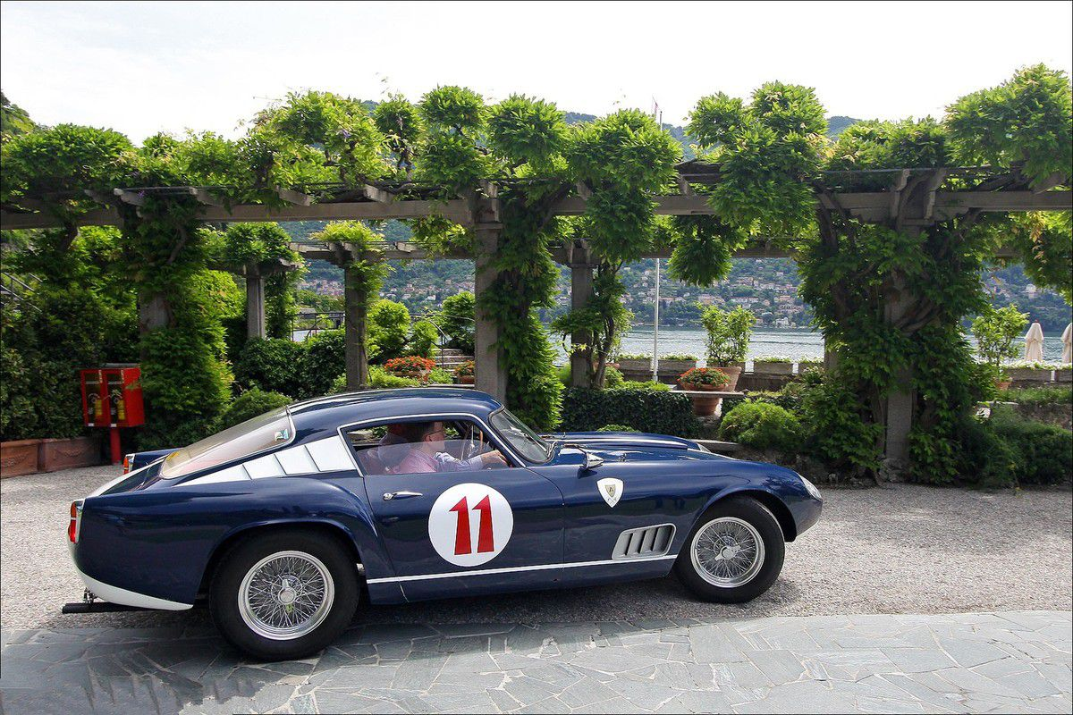 "VOITURES DE LEGENDE (560) : FERRARI  250 GT TOUR de FRANCE ""3 LOUVRE"" - 1957"