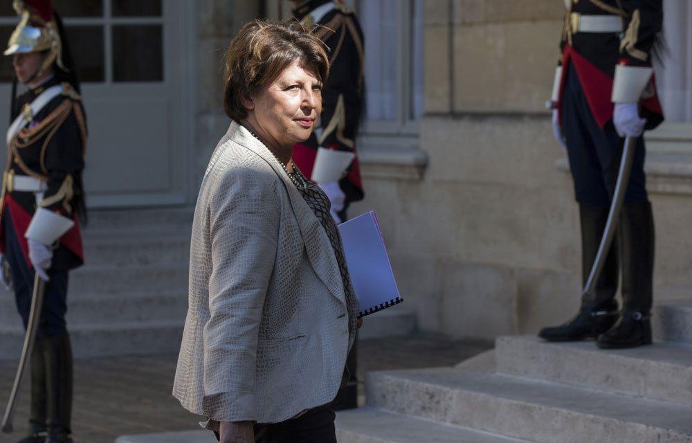 SE DISANT « MALTRAITEE » PAR MACRON, ANNE HIDALGO RECOIT LE SOUTIEN DE MARTINE AUBRY !..