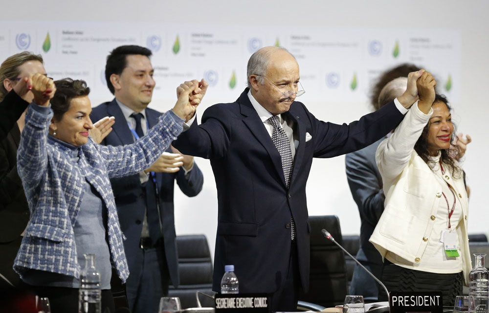 COP21 : L'ACCORD DE PARIS EST ADOPTE !...