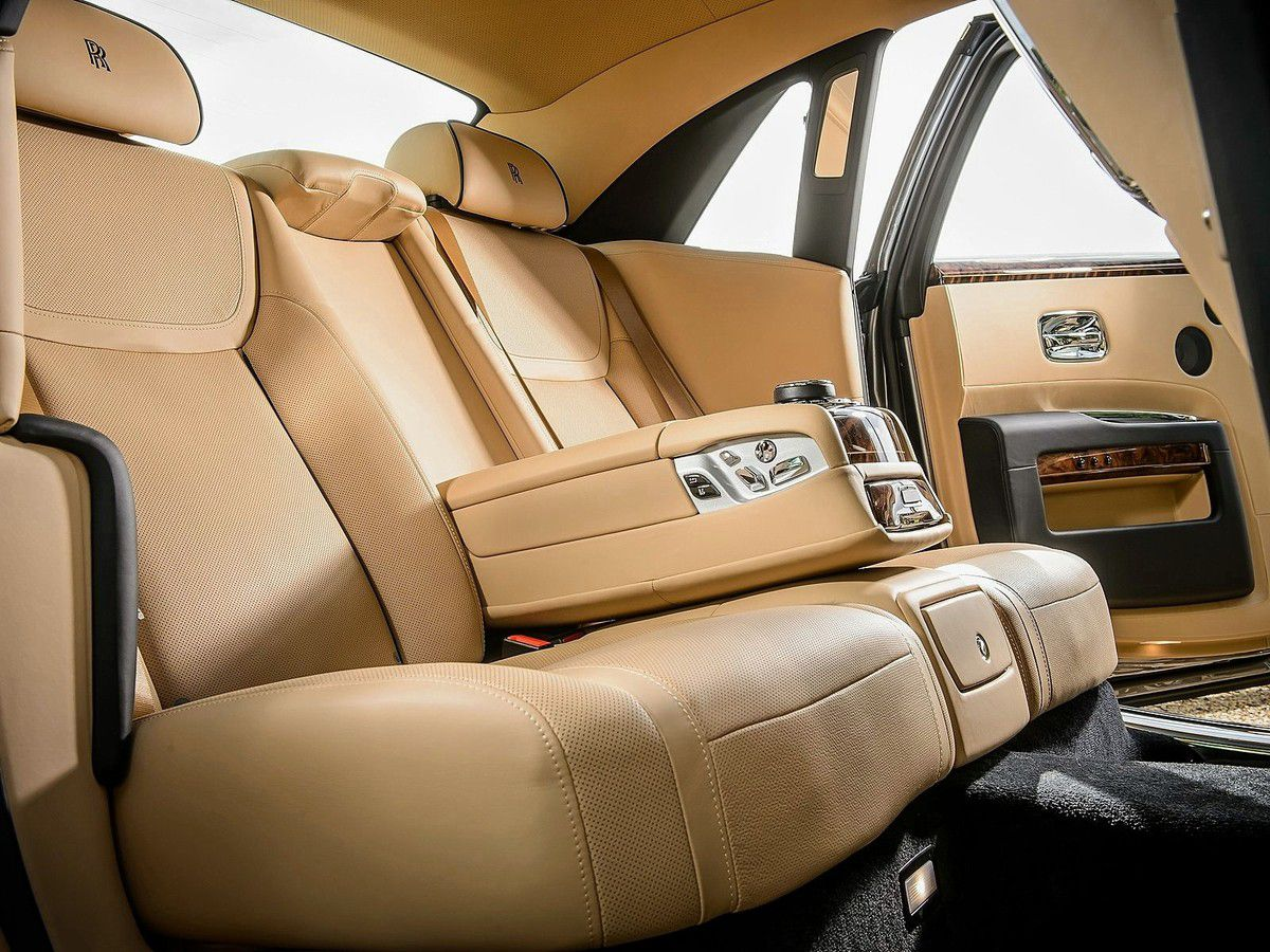 VOITURES DE LEGENDE (590) : ROLLS ROYCE GHOST  SERIES II - 2015