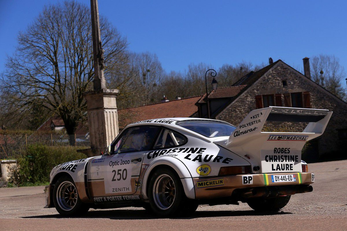 VOITURES DE LEGENDE (618) : PORSCHE 911 CARRERA  RSR  3.0 - 1974