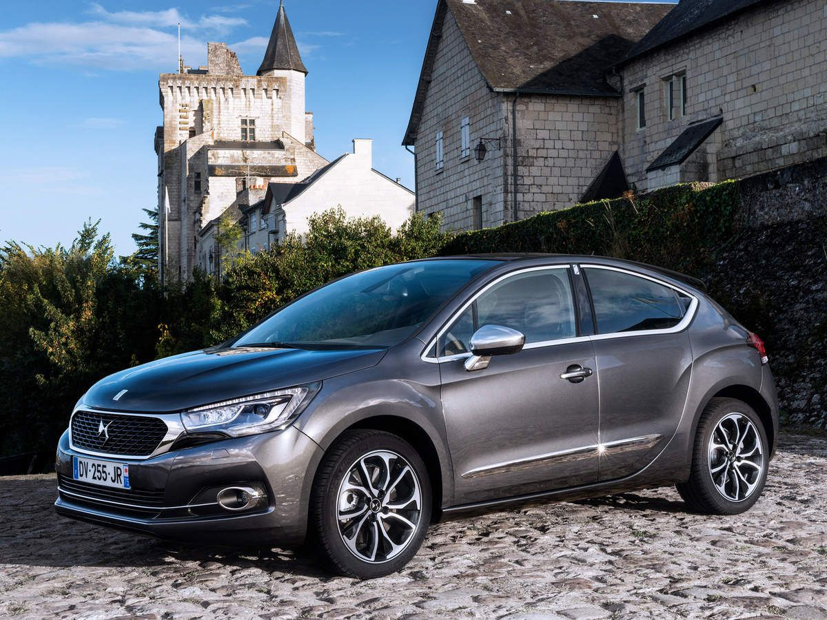 VOITURES DE LEGENDE (628) : DS 4 &quot&#x3B;SPORT CHIC&quot&#x3B; - 2015