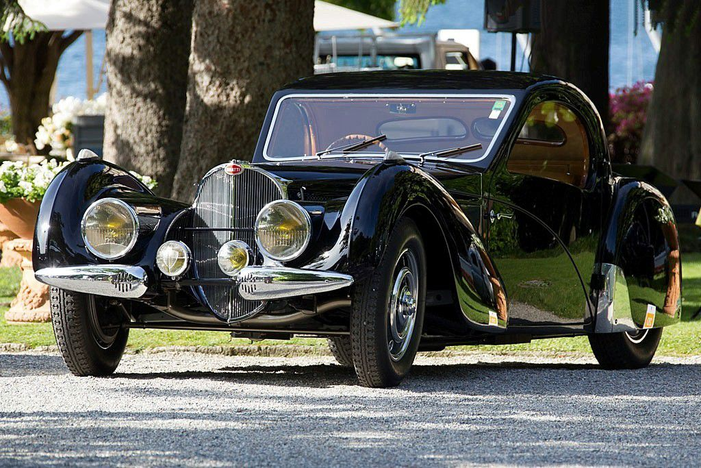 VOITURES DE LEGENDE (649) : BUGATTI  TYPE 57SC  ATALANTE COUPE - 1937