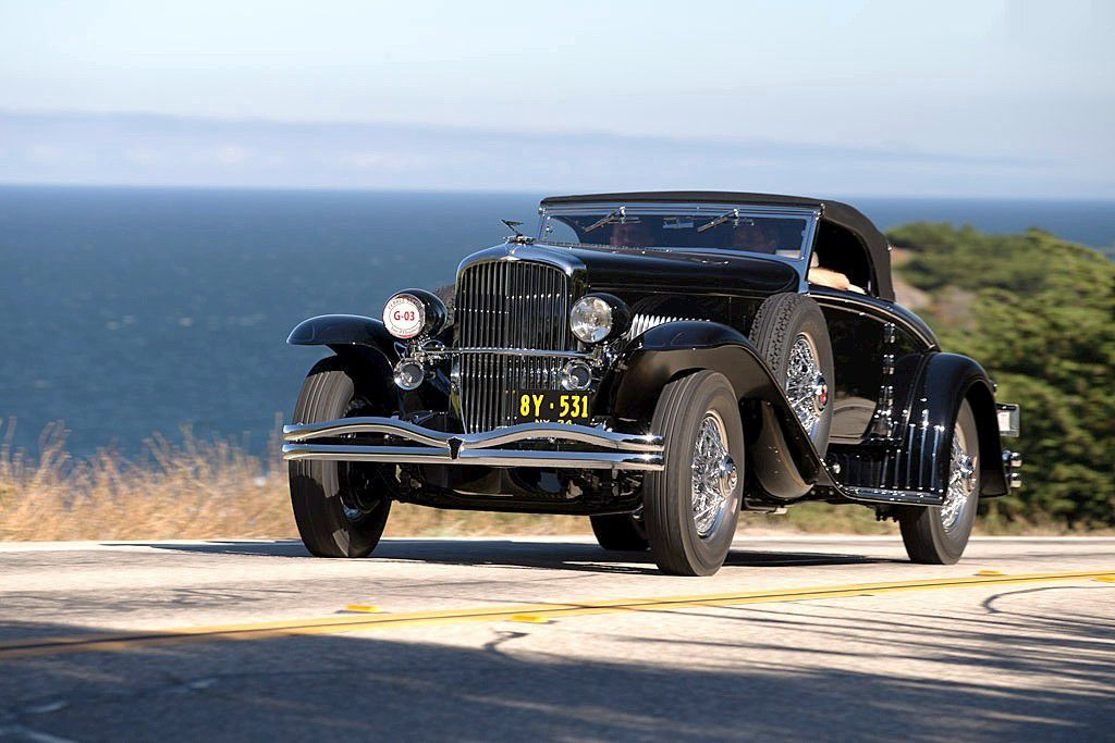 VOITURES DE LEGENDE (668) : DUESENBERG MODEL J  WALKER &quot&#x3B;LaGrande&quot&#x3B; CONVERTIBLE COUPE - 1934
